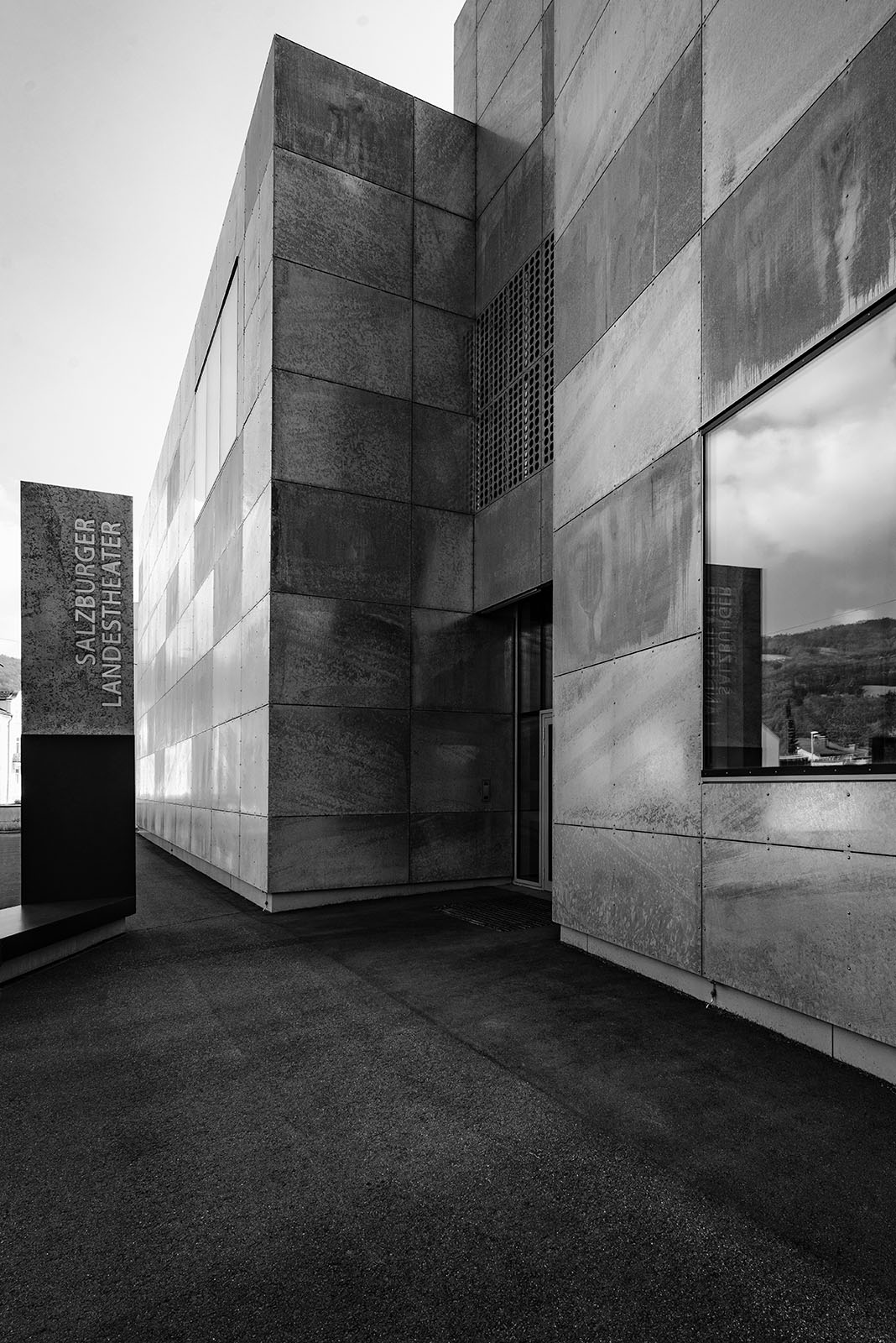 State Theater Rehearsal Center, Salzburg, Austria - Architect: Architekturwerkstatt Zopf - Black & White Fine Art Architecture - Philipp Apler - MONOPHIL